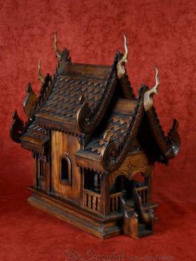Thai's geesthuisje (Spirit house)
