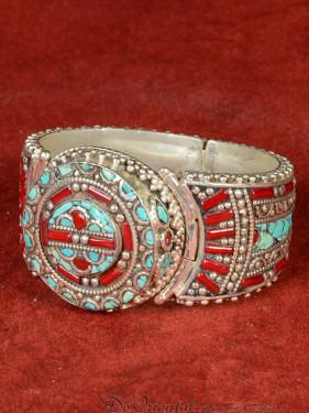 Decoratieve armband Tibet met turkoois en bamboekoraal