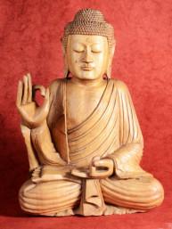 Grote Boeddha in Vitakarka Mudra, gesneden uit een stuk grenen hout