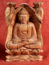 Houtsnijwerk van Boeddha in Dhynana Mudra