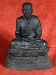 Bronzen beeld van Phra Luang Phor Tuad