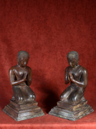 Set van monniken - adoranten gepatineerd brons 45cm
