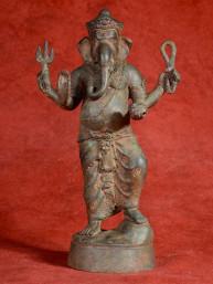 Statig beeld van staande Ganesha in brons.