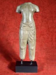 Khmer Sandstone Torso van een god Baphuon Stijl