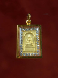 Phra Somdej Boeddha Amulet met zirkoontjes.