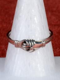 Unieke ring met 2 in elkaar passende handen  925