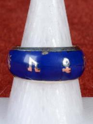 Hindoestaanse ring ingelegd met lapiz lazuli en Om padme hum script 925