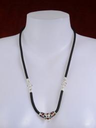 Thaise amulet ketting zwart met verzilverd