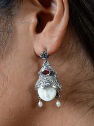 Balinese Eclips of maangezicht oorbellen met amethyst steentje