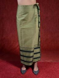 Traditionele Thaise satijnen omslagrok met gouddraad. Groen II