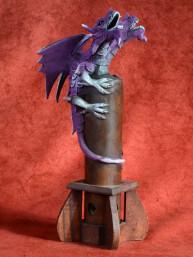 Wierookbrander met twee-koppige draak paars