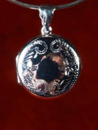 Zilveren locket, medaillon, relikwie houder, handbewerkt
