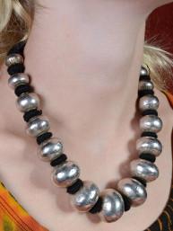 Exclusieve halsketting met zIlveren kralen uit India