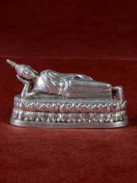 Boeddha miniatuur voor dinsdag Boeddha vernikkeld