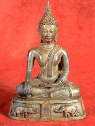 Sukhothai Boeddha met olifantjes