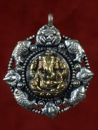 Hanger van Ganesha, Cchepu en vier vissen