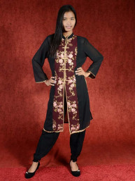 Salwar kameez, Indiase jurk of Punjabi dress bordeaux flowers