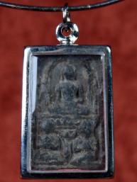 Phra Mook Kalla amulet met Boeddha