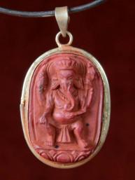 Hanger van Ganesha rood speksteen