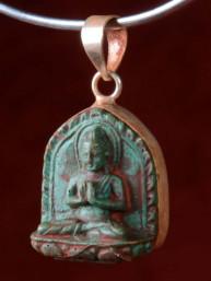 Hanger van Boeddha in Dharmachakra mudra groen speksteen