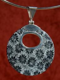Hanger van grijs sponskoraal in zilveren 925 vatting
