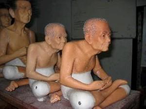Monniken met geknipte haren