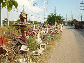 Thais geesthuis aan een weggetje